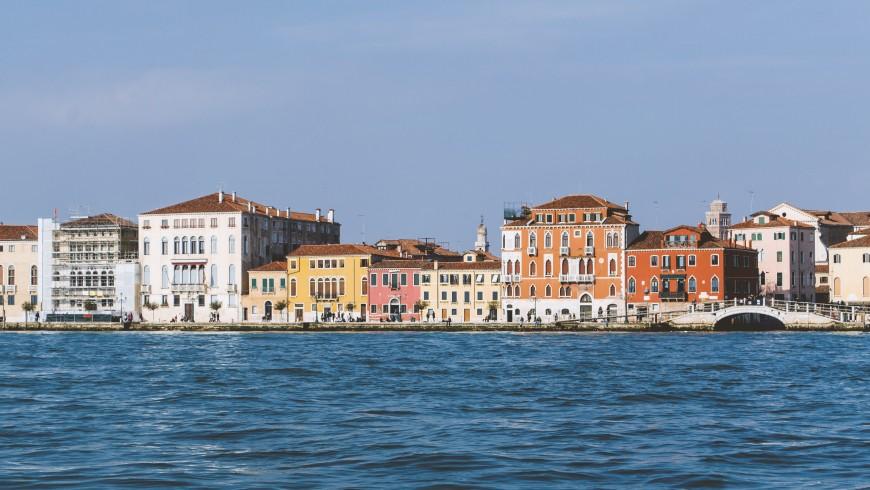 Venice by the sea, photo by Henry Be via Unsplash
