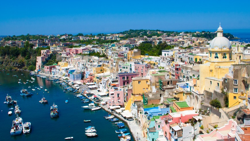 The Island of Procida, colors, photo by Erwin Doorn via Unsplash