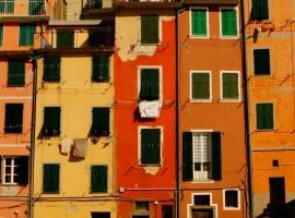 Colored houses, Cinque Terre, photo by Sarah Ferrante via Unsplash