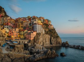 Cinque Terre, photo by Yifei Chen via Unsplash