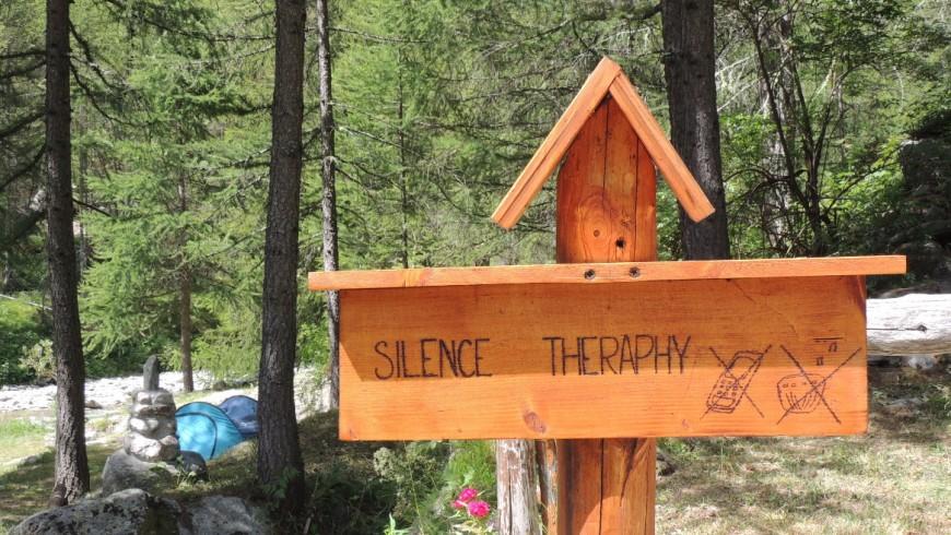 Silence Therapy near the river at Piccolo Paradiso Camping