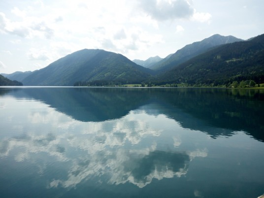 The many shades of blue of Lake Weissensee