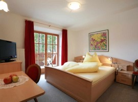 Steinerhof hotel, your eco-friendly maso in Val Passiria, South Tyrol
