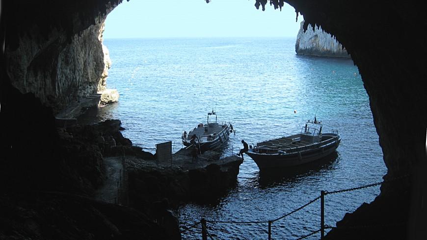 Grotta Zinzulusa, Apulia.