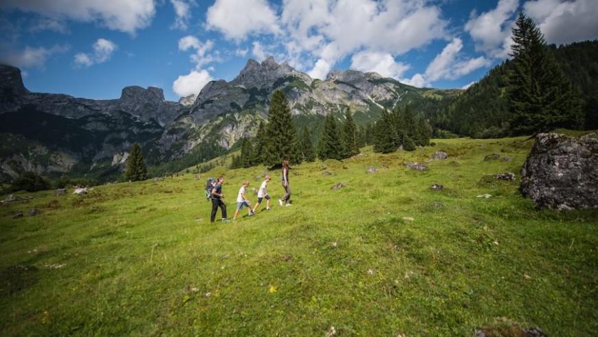 Hiking in Werfenweng