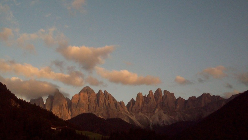 Val di Funes, Admiring the Odle at the sunset starting from Malga Zannes
