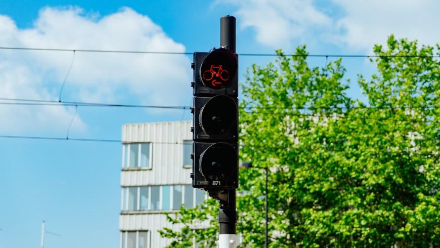 Traffic light, Riding my bicycle