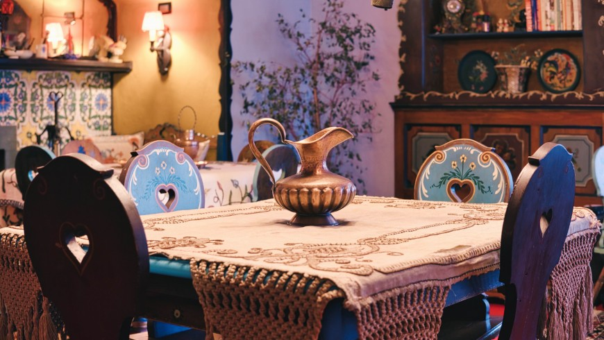 A romantic getaway in a suite in Piedmont