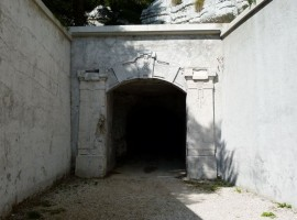 Entrance of Campolongo, photo of Edel, via girovagandoinmontagna.com