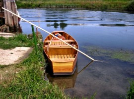 Pantana, a wooden boat for shallow water