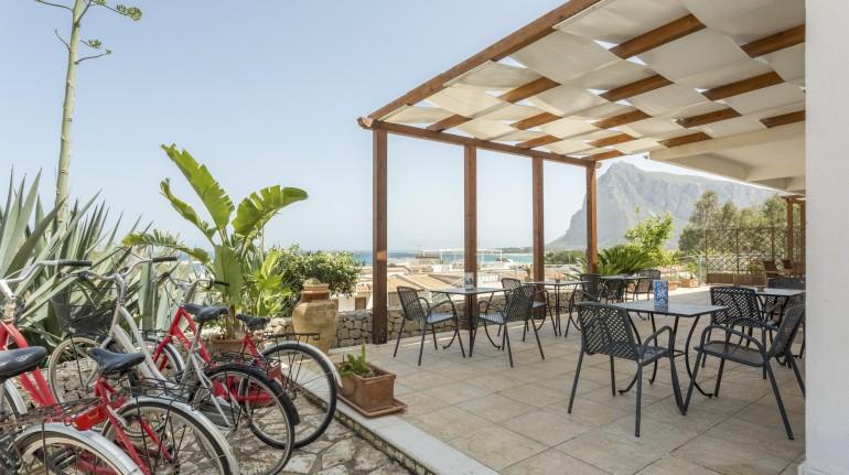 Auralba panoramic terrace with bikes, Sicily