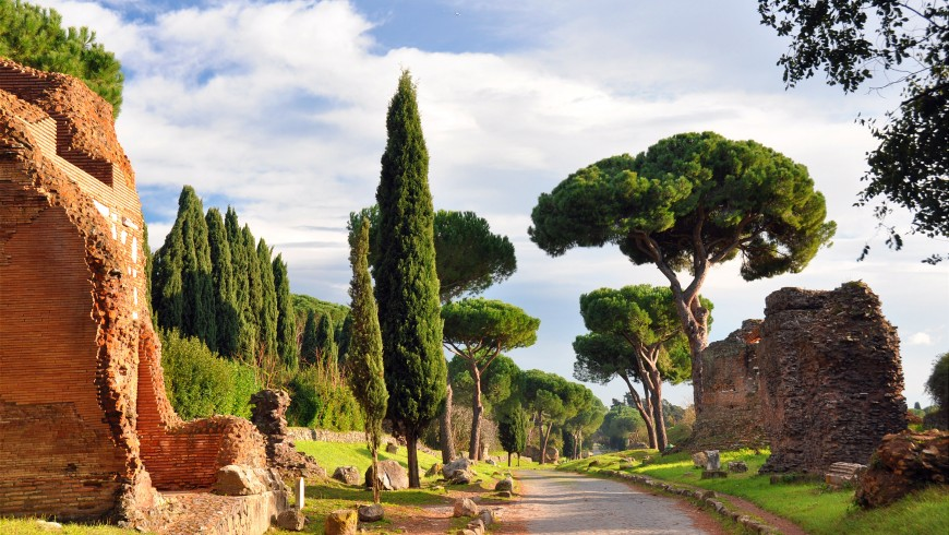 Slow tourism in Italy: the Appian Way