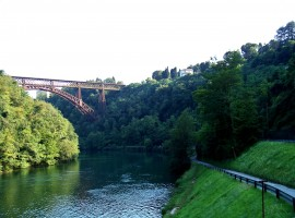 river cycle path with iron bridge