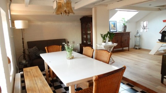 Vegotel's kitchen, where vegan local breakfast is served, photo Ecobnb
