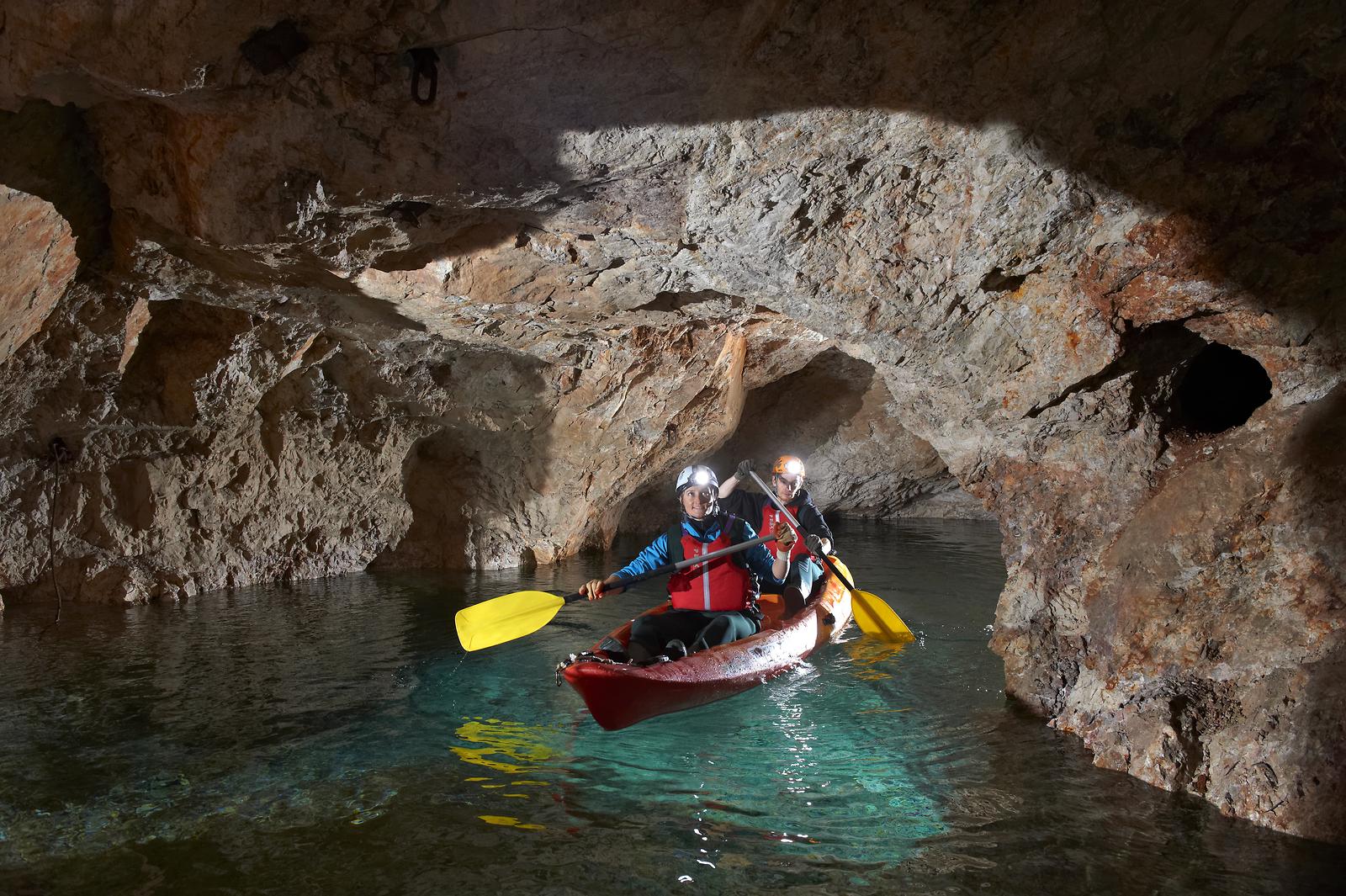 Peca underground kayaking