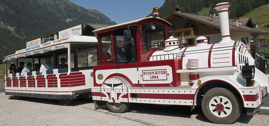 Shuttle Bus in Fassa Valley, photo by fassa.com