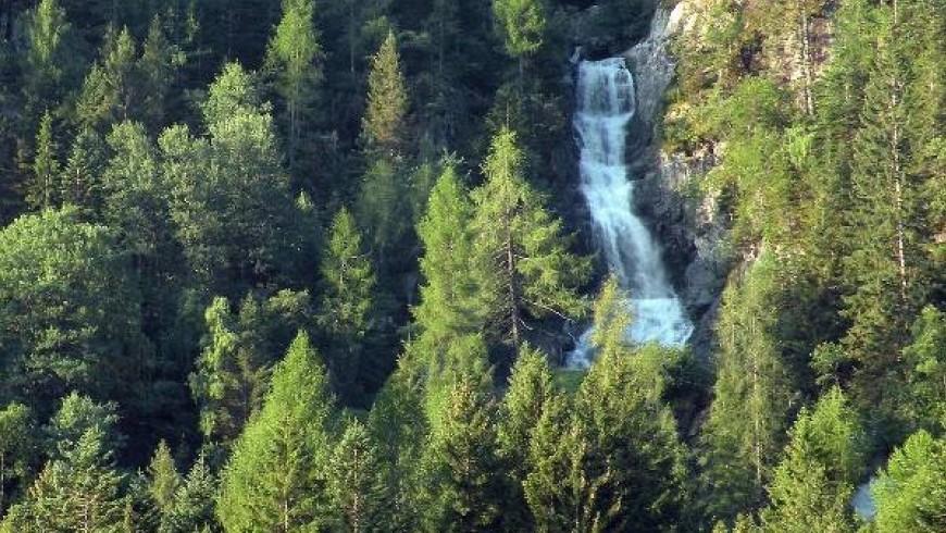 Folgorida waterfall