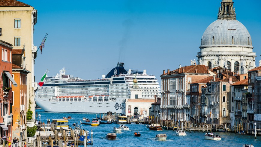 Cruise ship in Venice, a not sustainable way of tourism