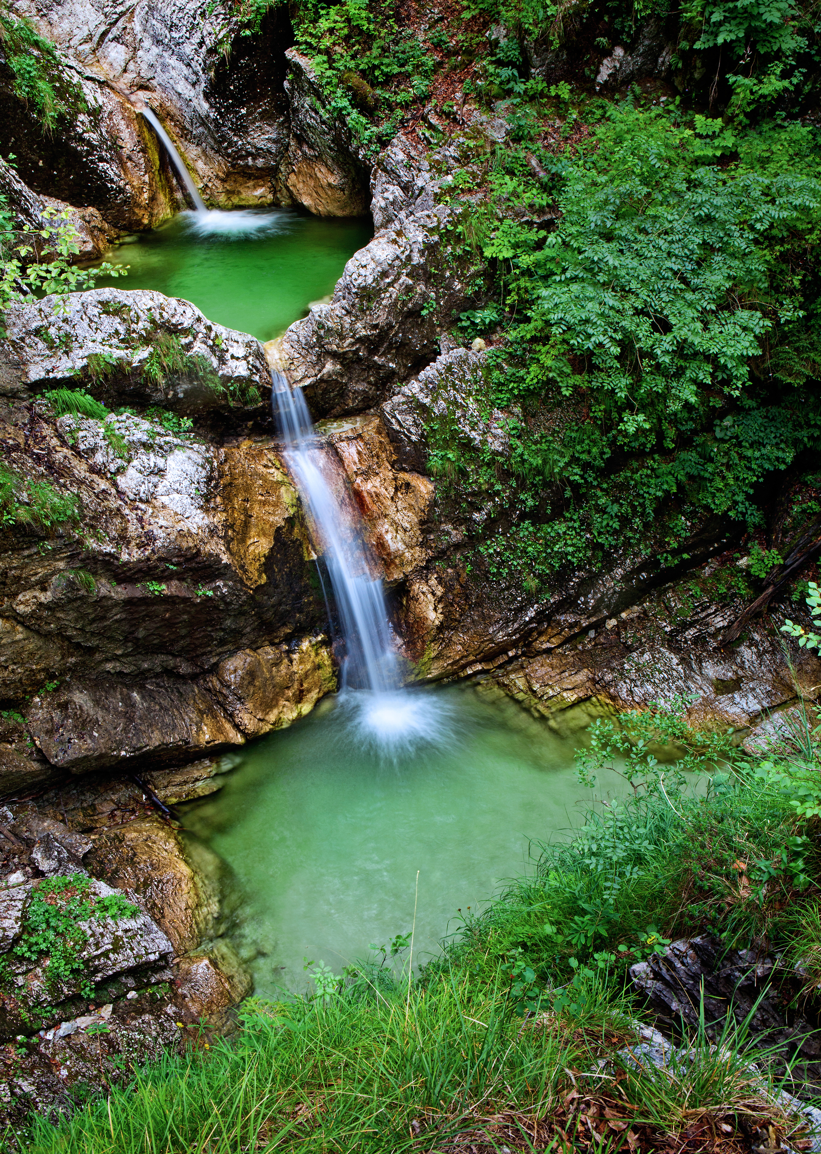 Waterfalls in Slovenia - waterfall Fratarica