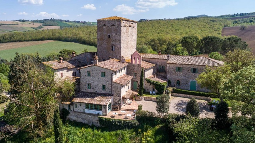 A village in the green of Umbria