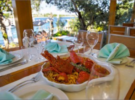 Seafood and local fish in Dalmatia - Restaurant Fešta