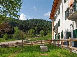A rural holiday in the Adamello Brenta Park