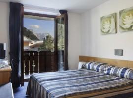 Hotel in Madonna di Campiglio, gel of Adamello Brenta Park