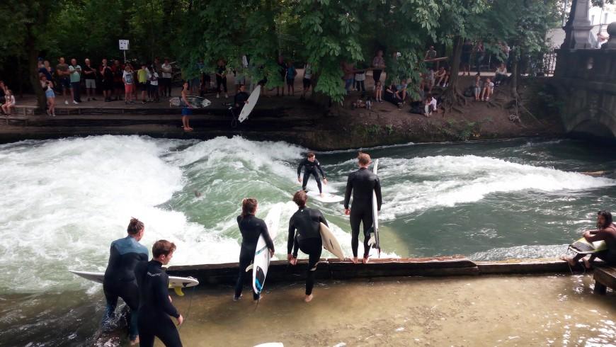 Surf at the English Garden in Munich