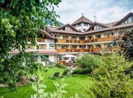 Hotel with wellness area in Adamello Brenta Park