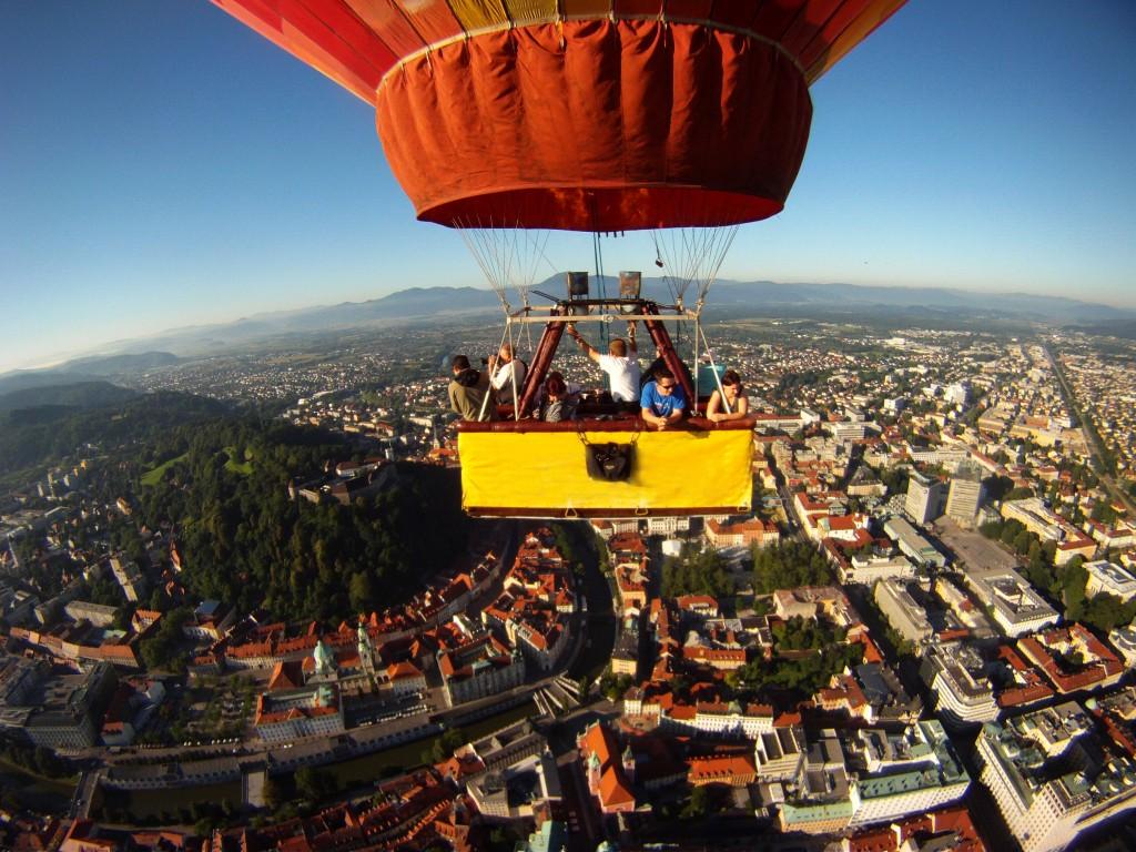 Hot air balloon flight - Ljubljana green travel guide