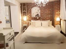 Holiday Home Enchanting Hill - bedroom