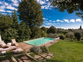 Eco-friendly resort in the hills of Florence