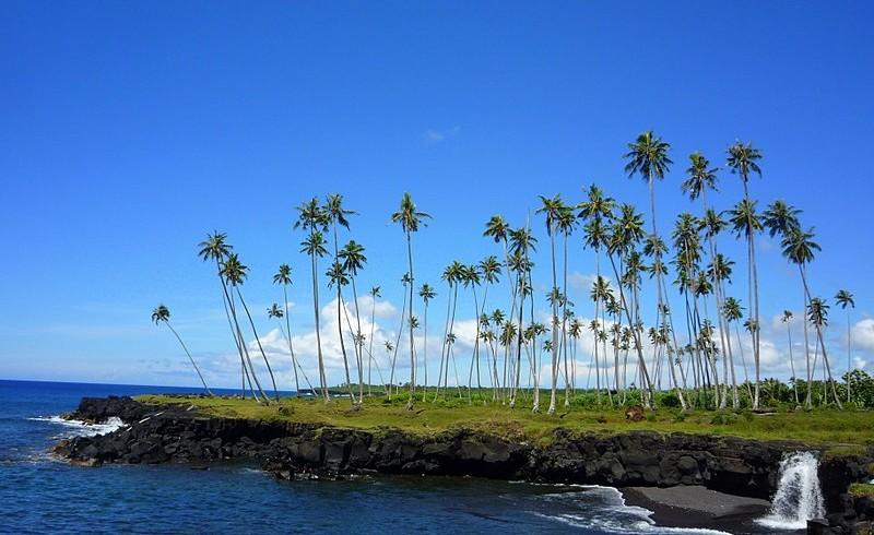 Mu Pagoa Waterfall on the south east coast of Savai'i island, Samoa