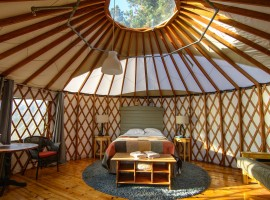 Treebones Resort yurt tend