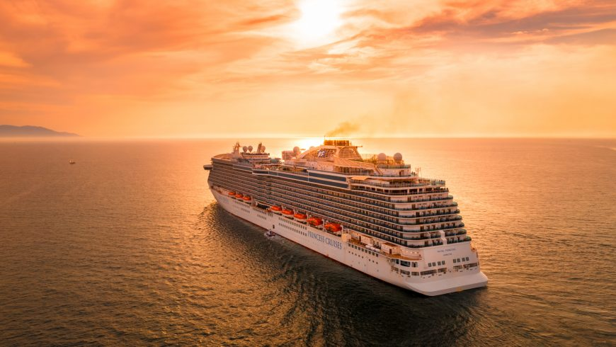 Cruise tourism pollutes environment