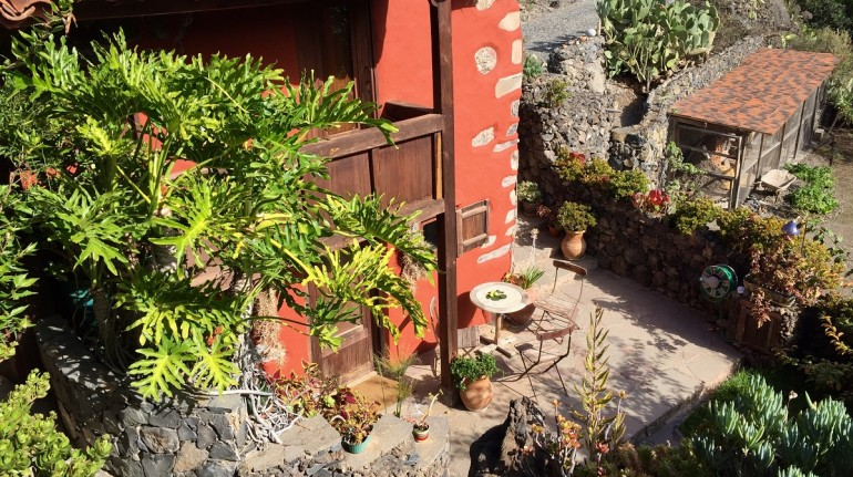 From Germany to the Canaries: an ecobnb for yoga retreats