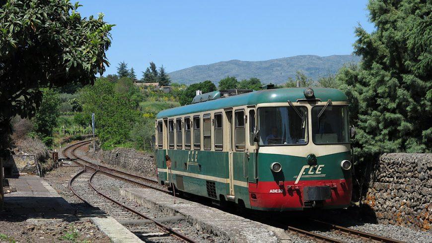 Cirumetnea, a tourist train around the volcano