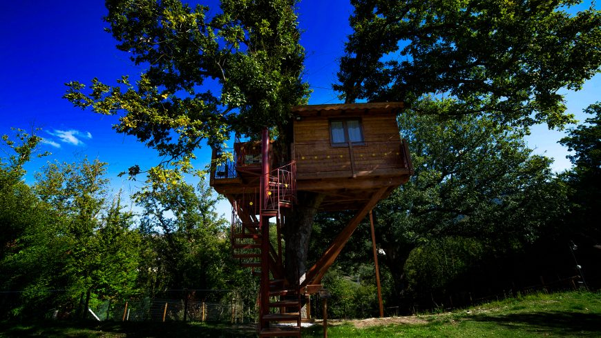 Treehouse, eco-friendly accommodation in South Italy