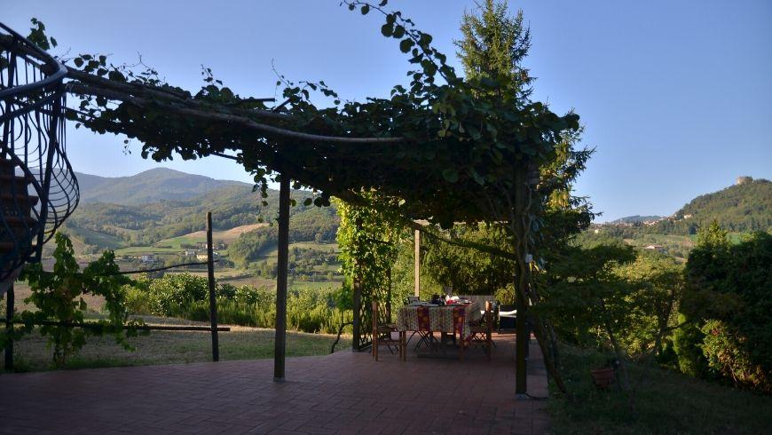 Breakfast under the arbour, Valtidone Verde
