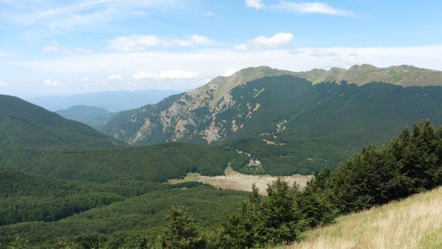 green landscape, Tuscan-Emilian Apennines