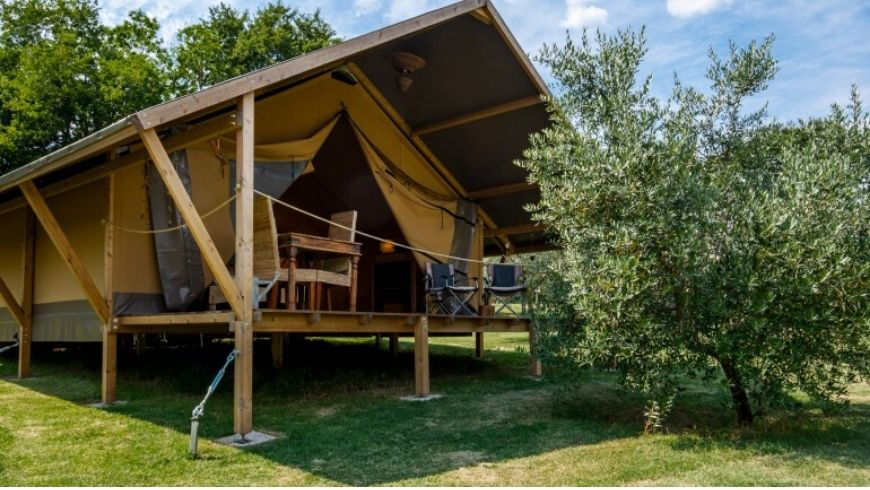 green hotel glamping italy