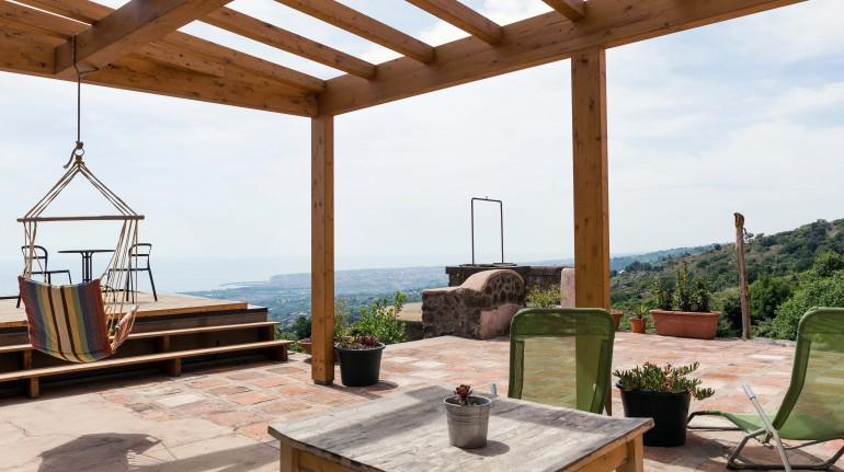Discovering the nature on the slopes of Mount Etna in a farmhouse