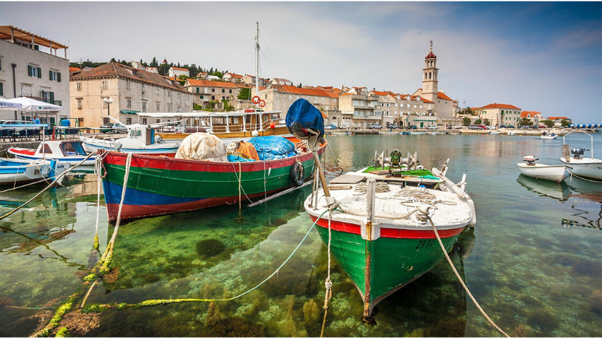 Brač Island: discover the coastal city Sutivan