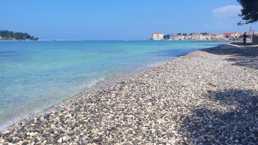 Green beach Gradsko kupalište (City Beach) in Poreč-Parenzo, eco-friendly beach in Istria