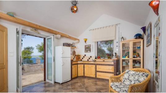 Top 5 eco-friendly and remote holiday homes on Brač island: discorver Vesna cottage