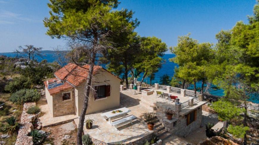 Brač island: : discover Vesna cottage