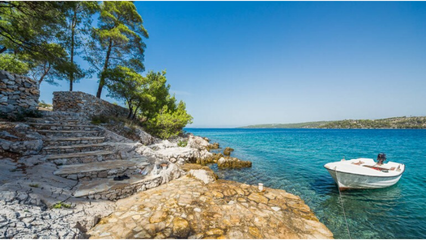 Top 5 eco-friendly and remote holiday homes on Brač island: discorver Vesna cottage
