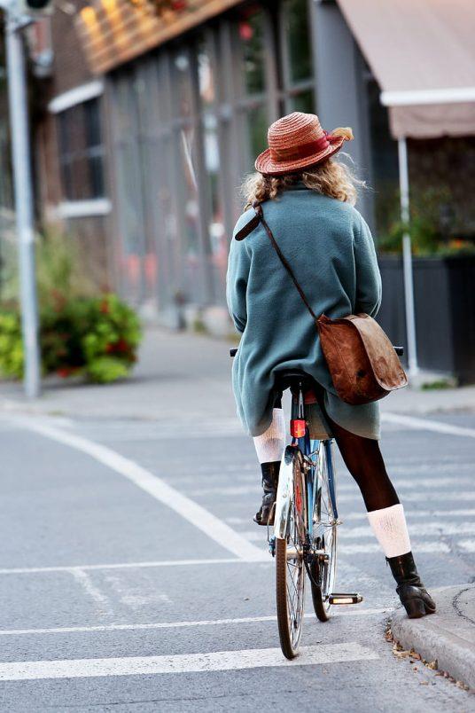 bike to work girl