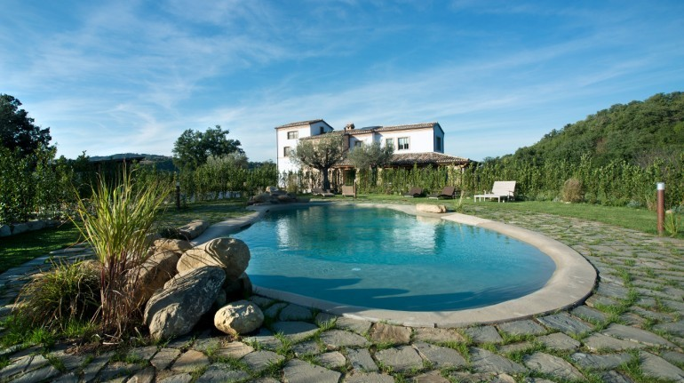 Vegan and eco-friendly holiday in the Marche hills