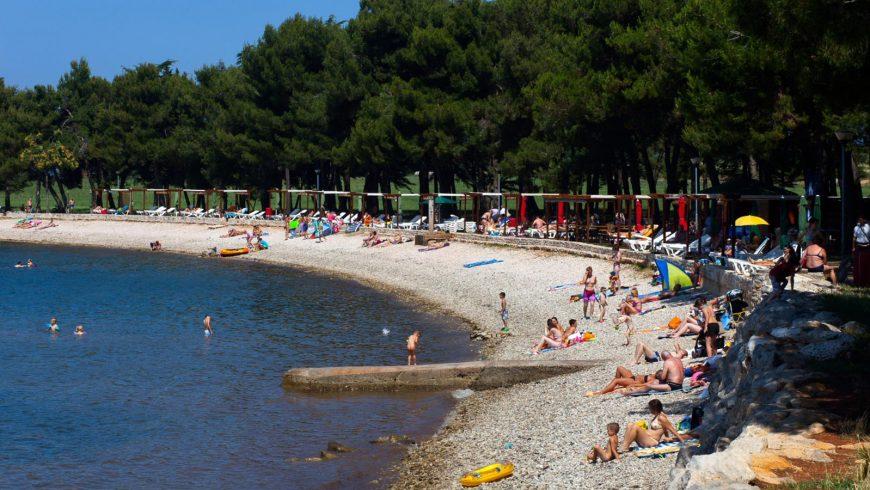 Novigrad green beach in Istria